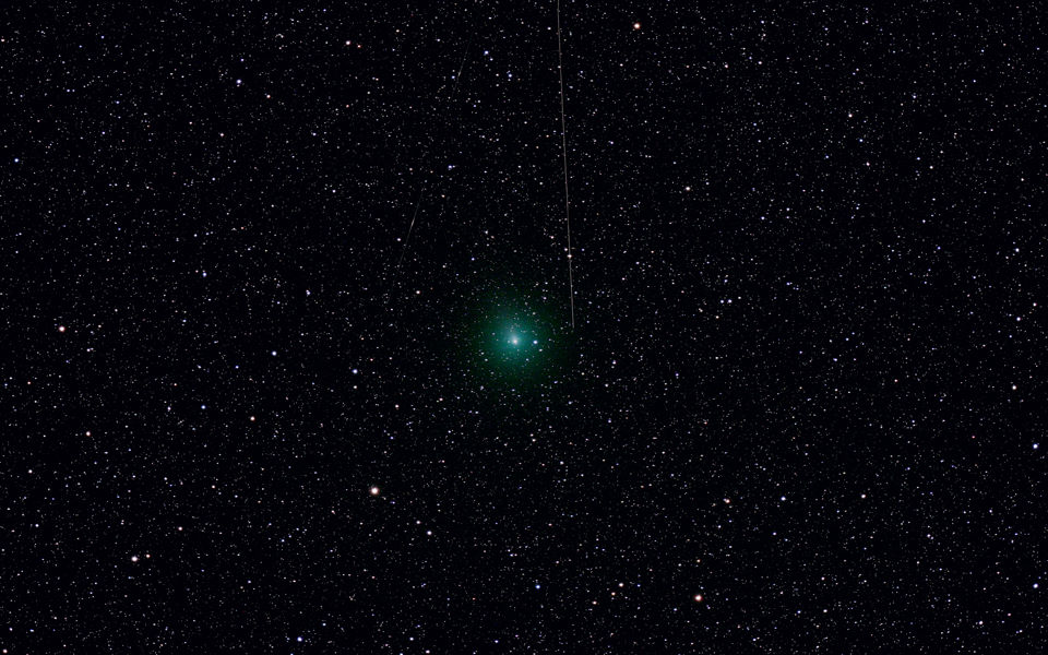 Photograph of Comet 103p Hartley 2